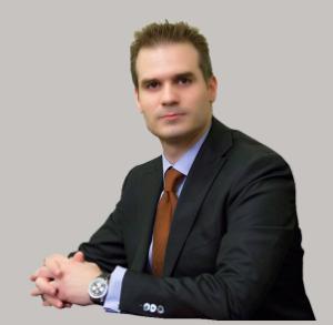 Νικόλαος Καρμίρης Πλαστικός Χειρουγός